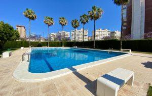 Apartamento Atenas Piscina 4 pax