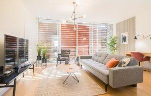 Design Attic Apartment FREE Parking